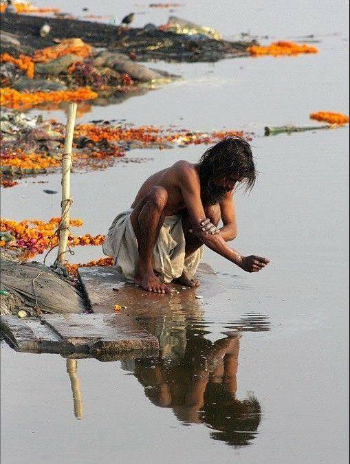 homme Inde fleuve