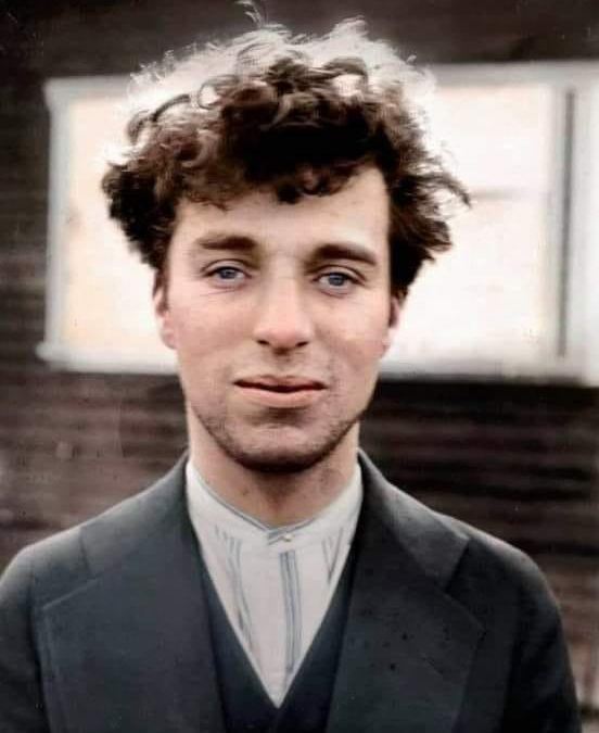 Charlie Chaplin 26 ans
